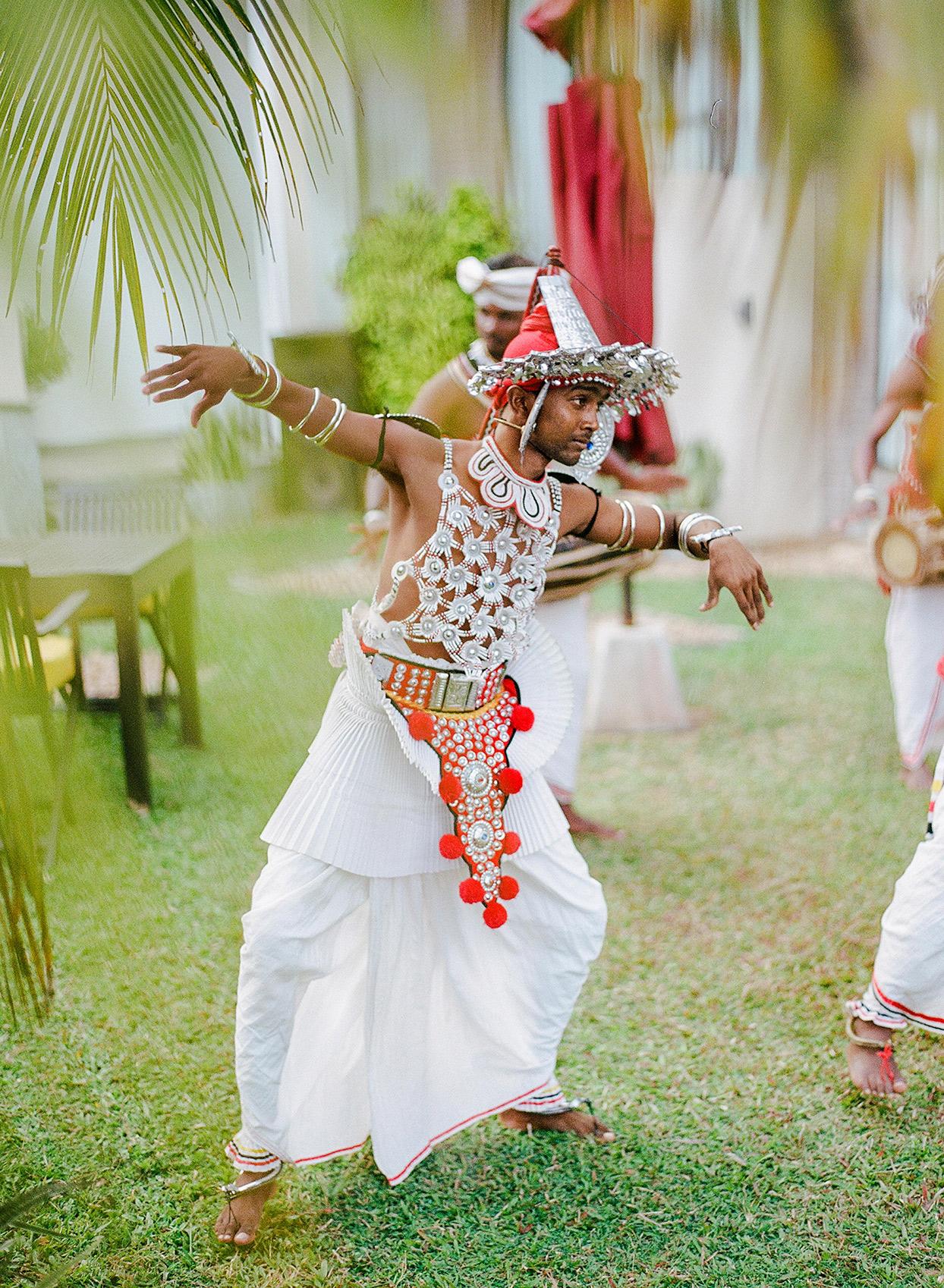 kelly sanjiv wedding dancer in grass