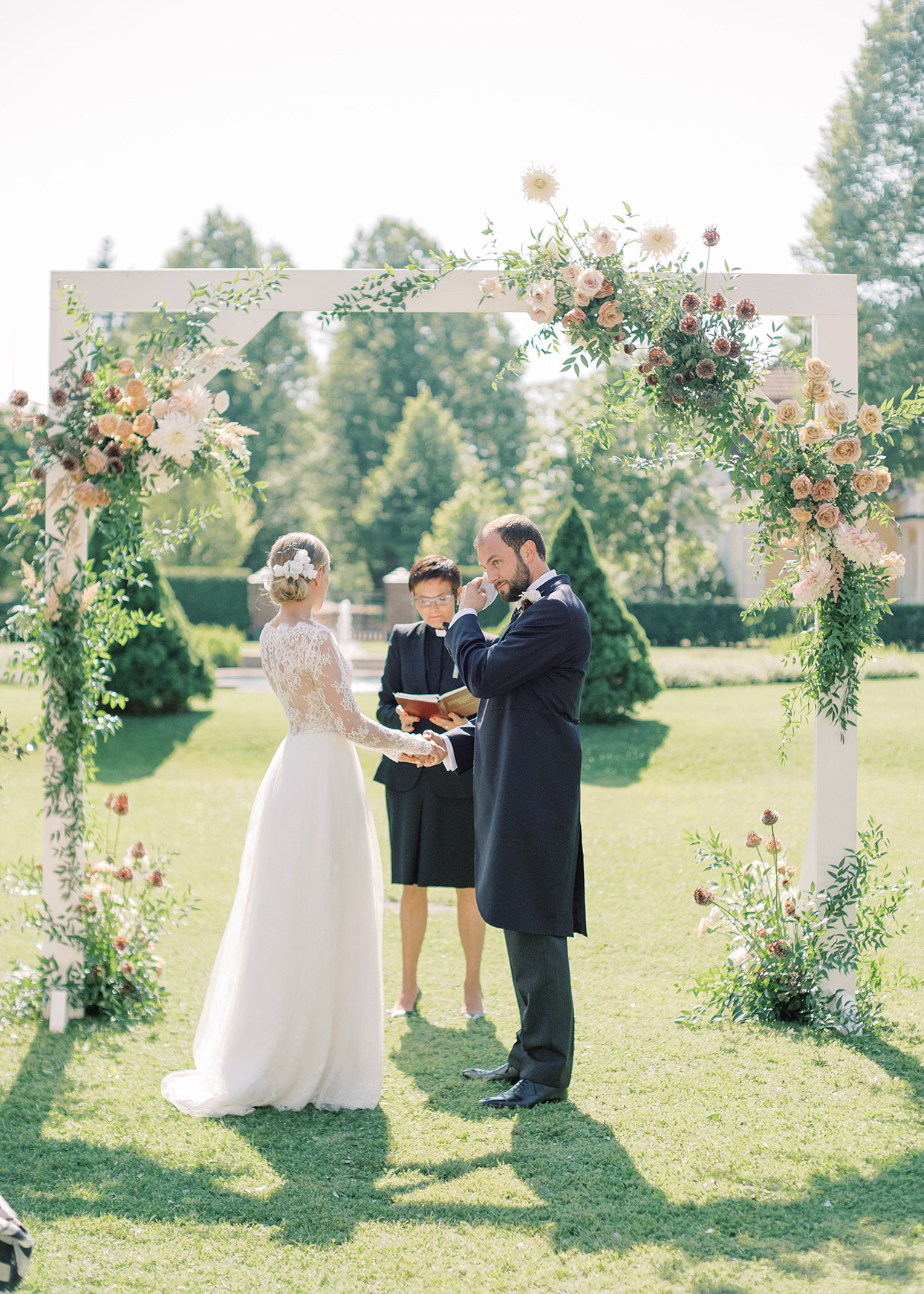 laura alexander wedding ceremony outdoors