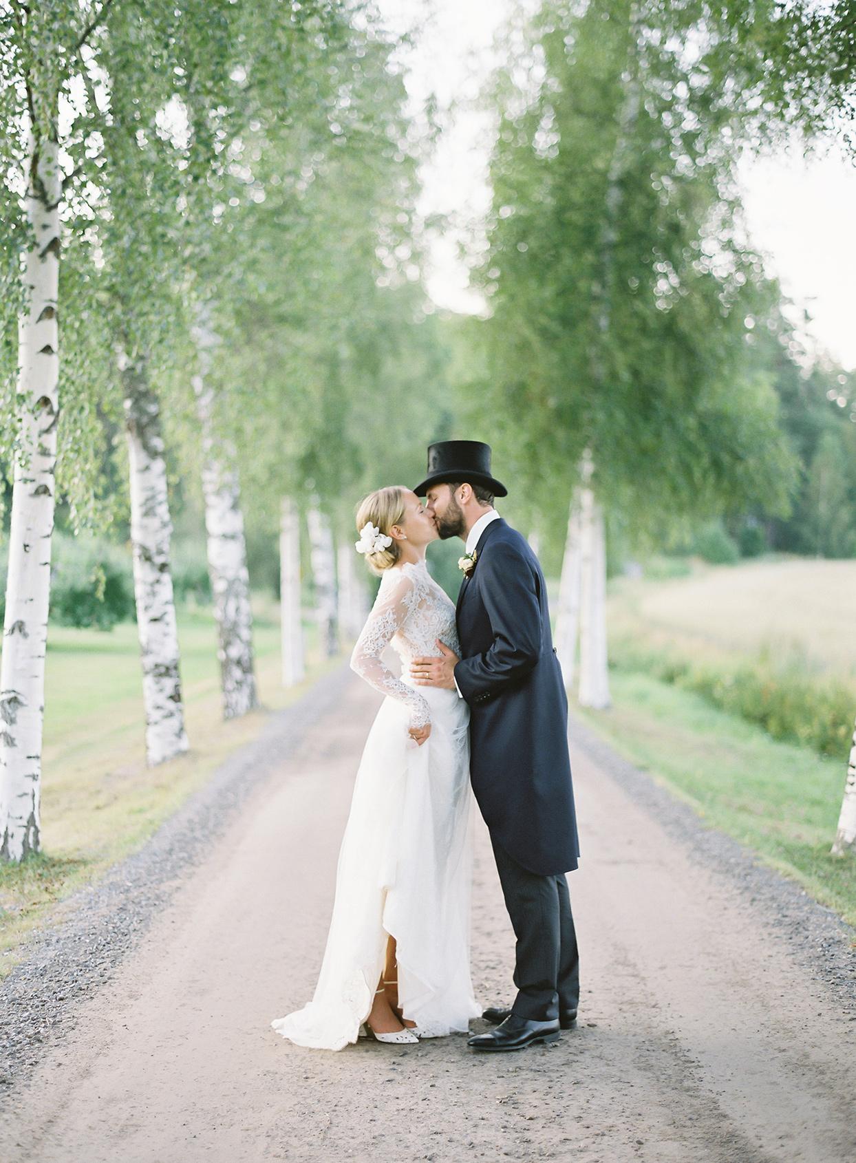 laura alexander wedding couple on dirt road