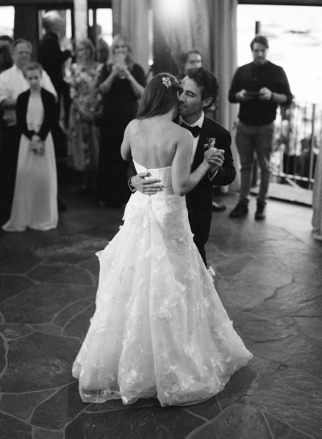 Natalie and Grant wedding bride and groom's first dance