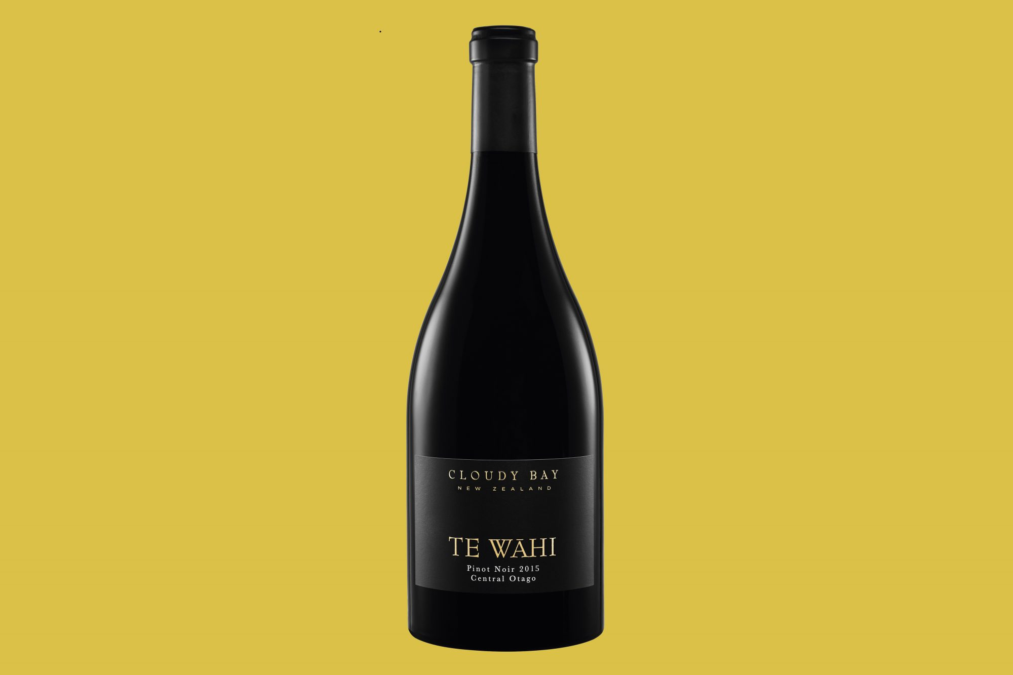 Cloudy Bay Te Wahi Pinot Noir 2015 wine bottle