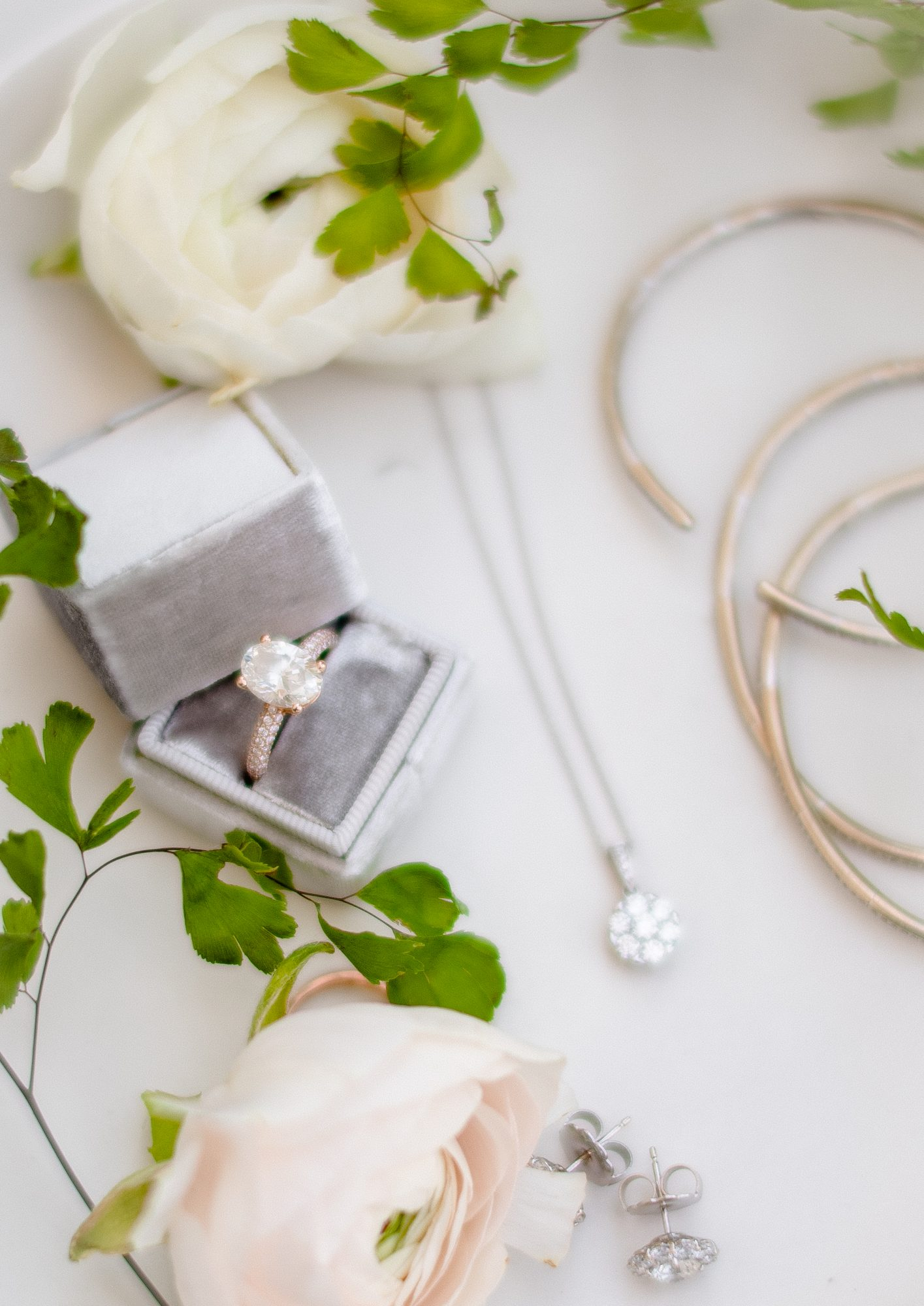 ryan shep wedding bride jewelry and accessory details