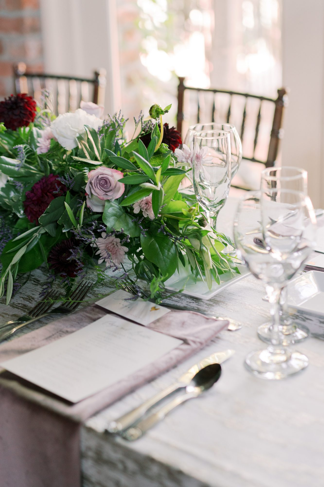 reception place setting floral centerpiece