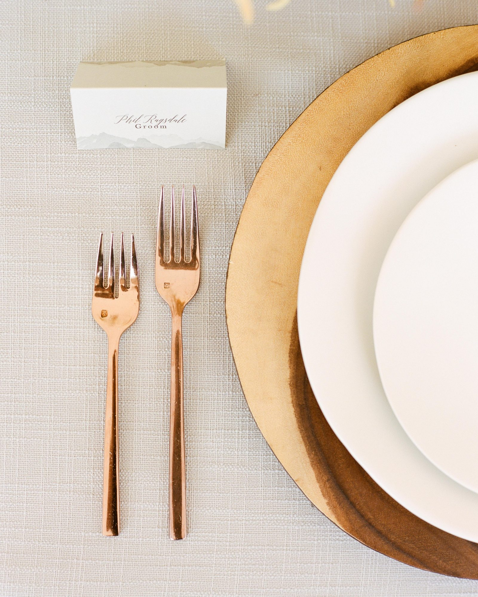 jill phil wedding rose gold and gold place settings