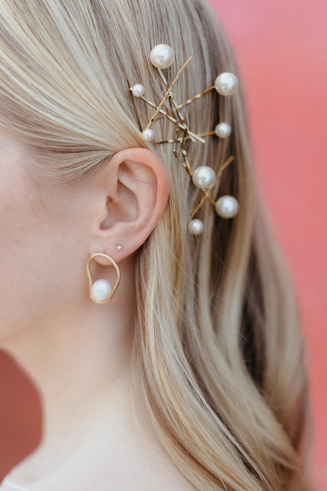 kristen jonathan wedding bride's pearl hair accessories