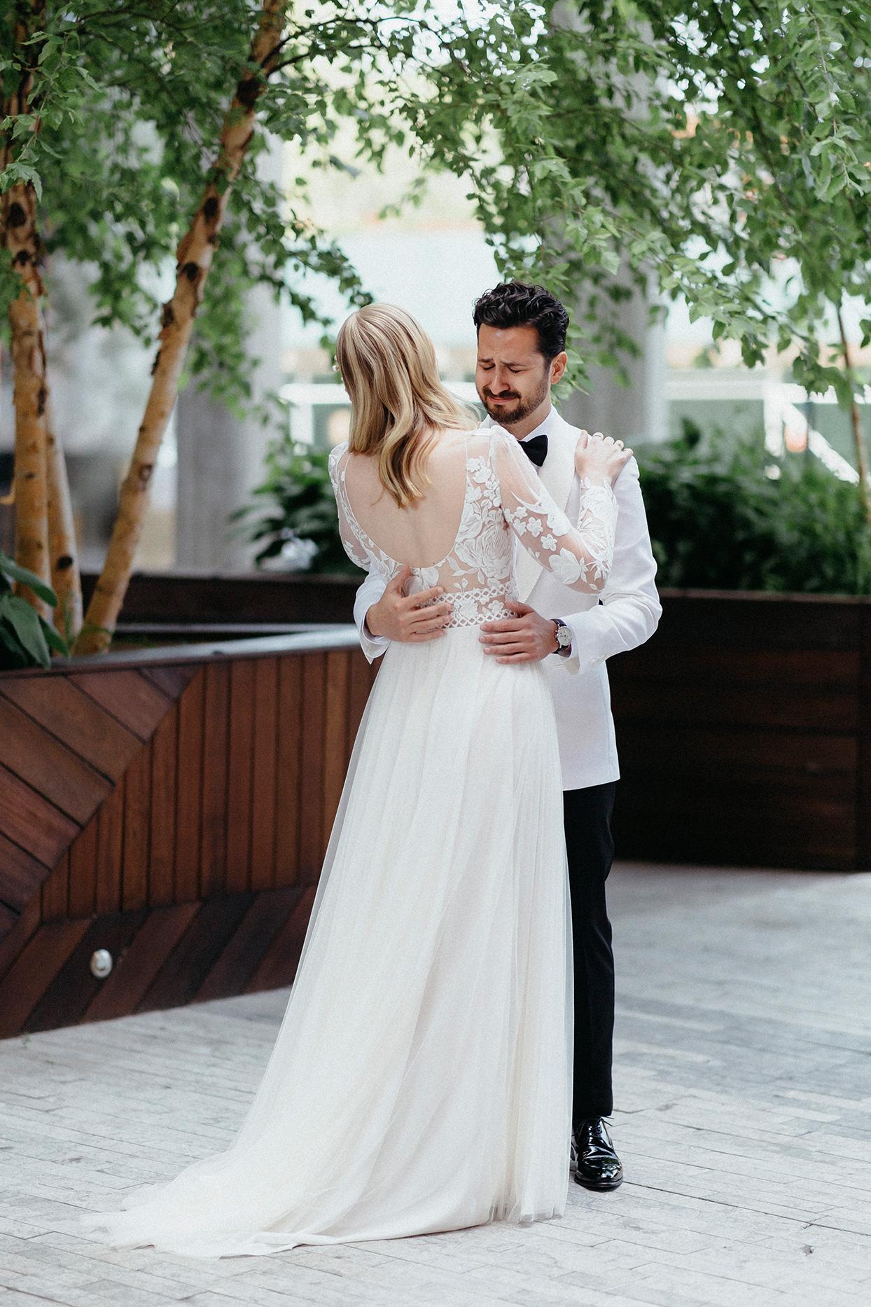 kristen jonathan wedding first look outdoors
