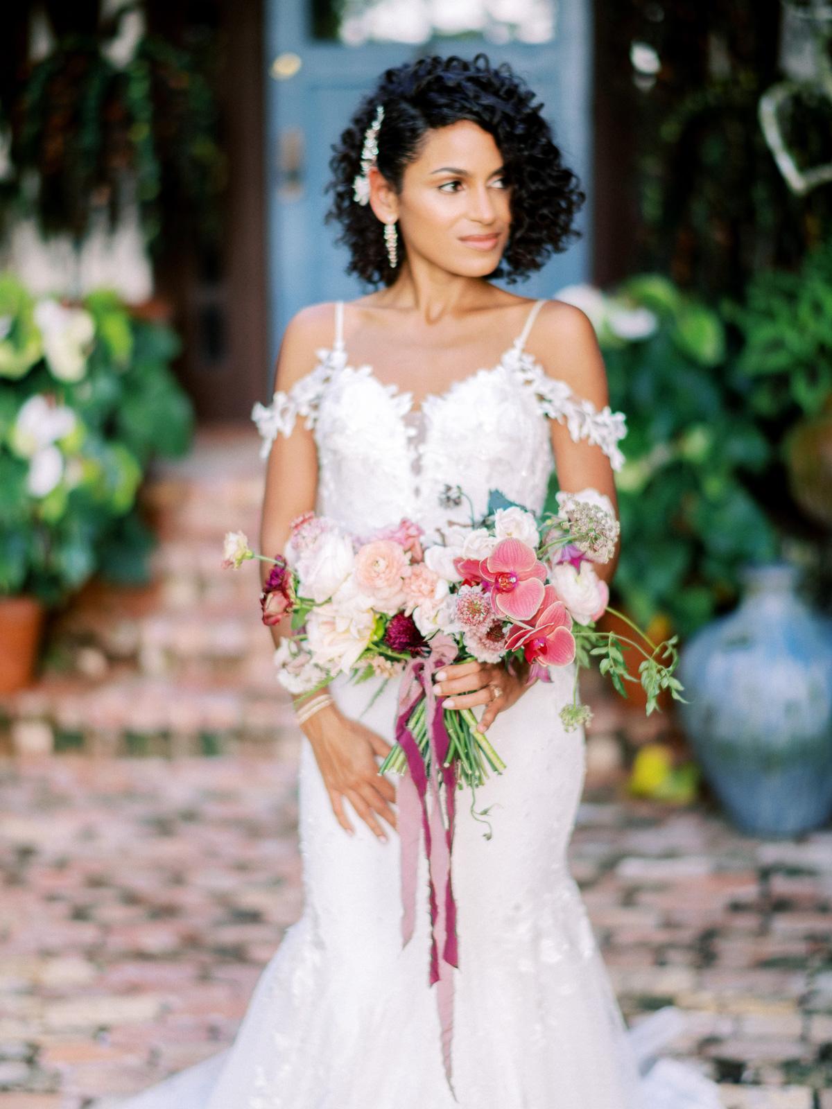 melissa lindsey wedding bride portrait with bouquet