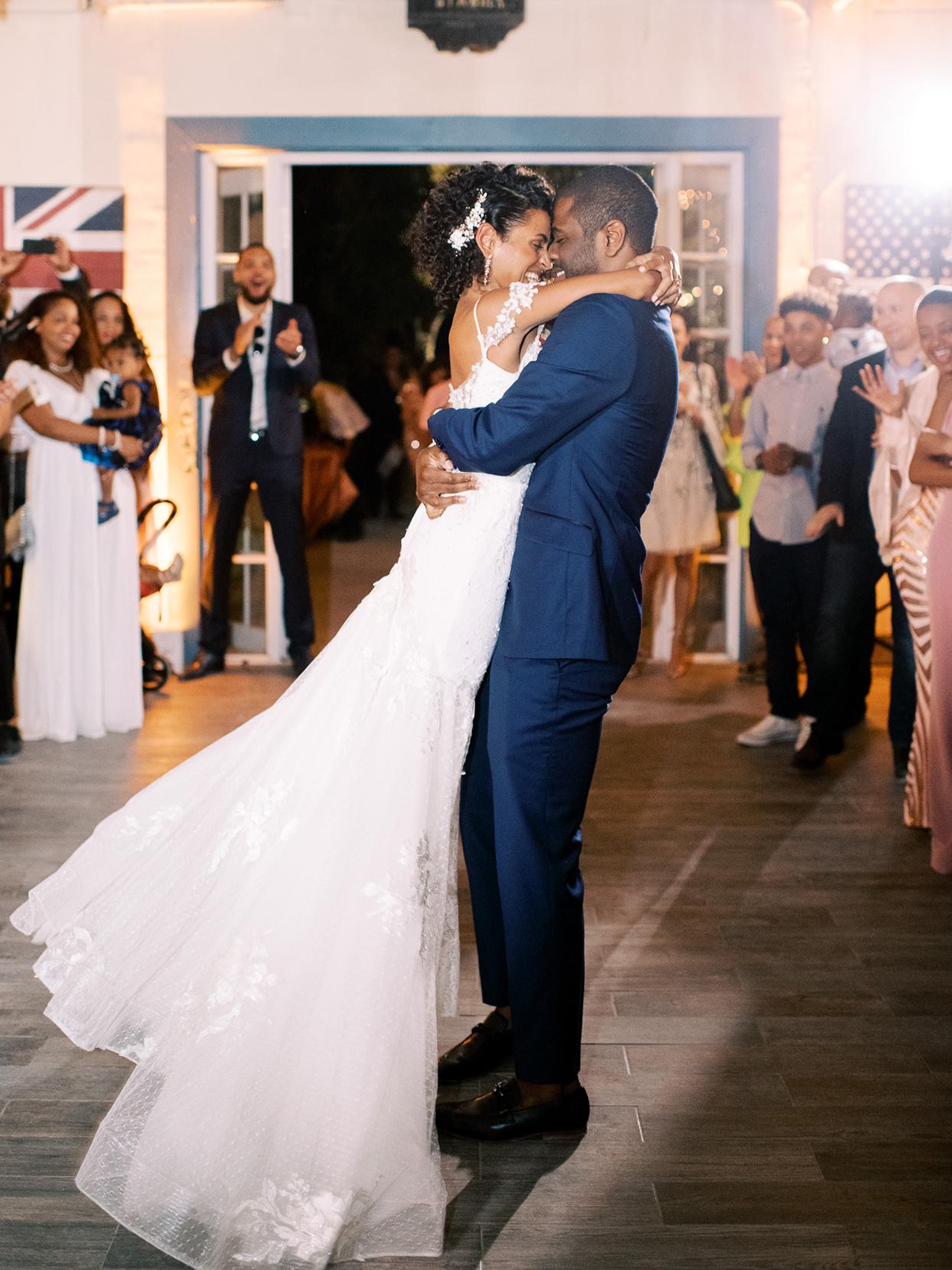 melissa lindsey wedding couple first dance lift