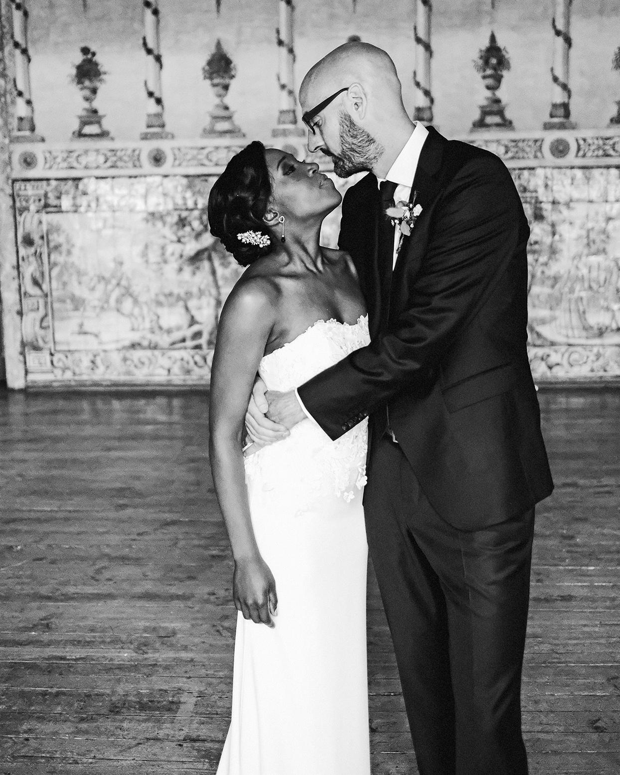 emily scott wedding couple kissing