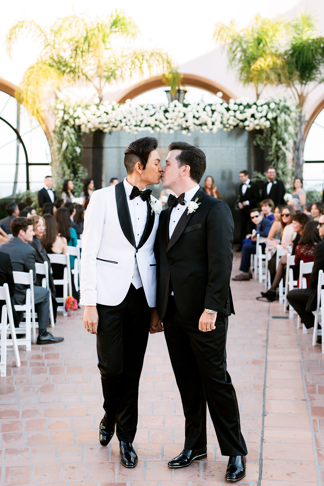 jason justin wedding ceremony couple kiss