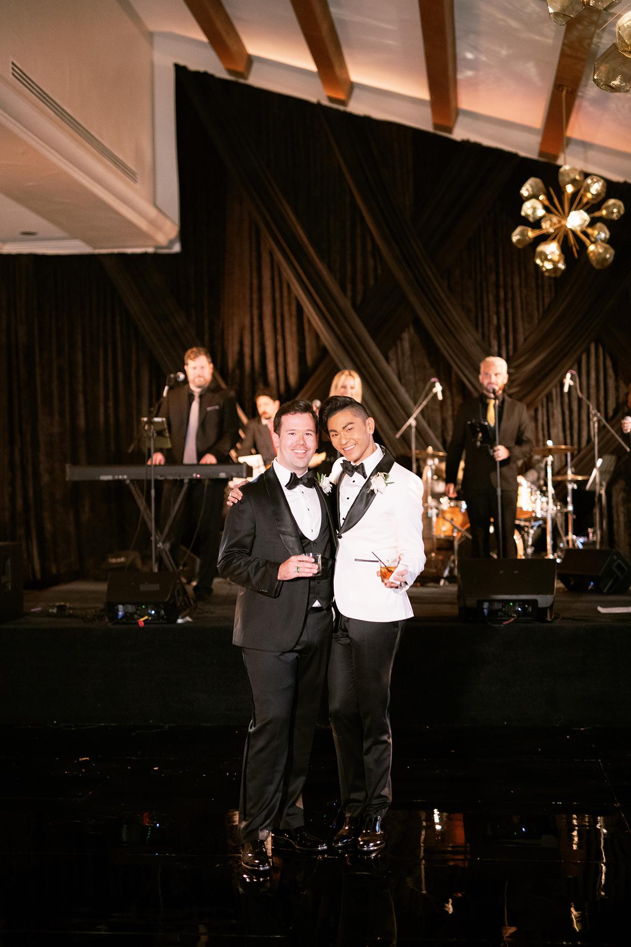 jason justin wedding couple with reception band