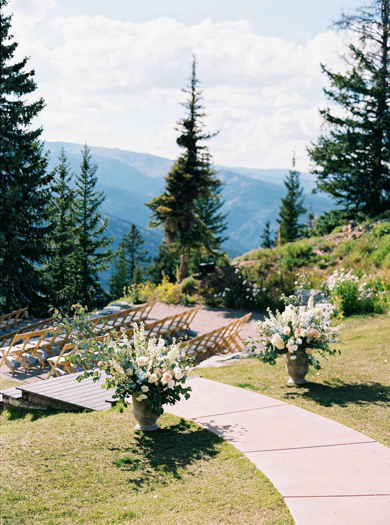 kimmie mike wedding ceremony walkway with flowers