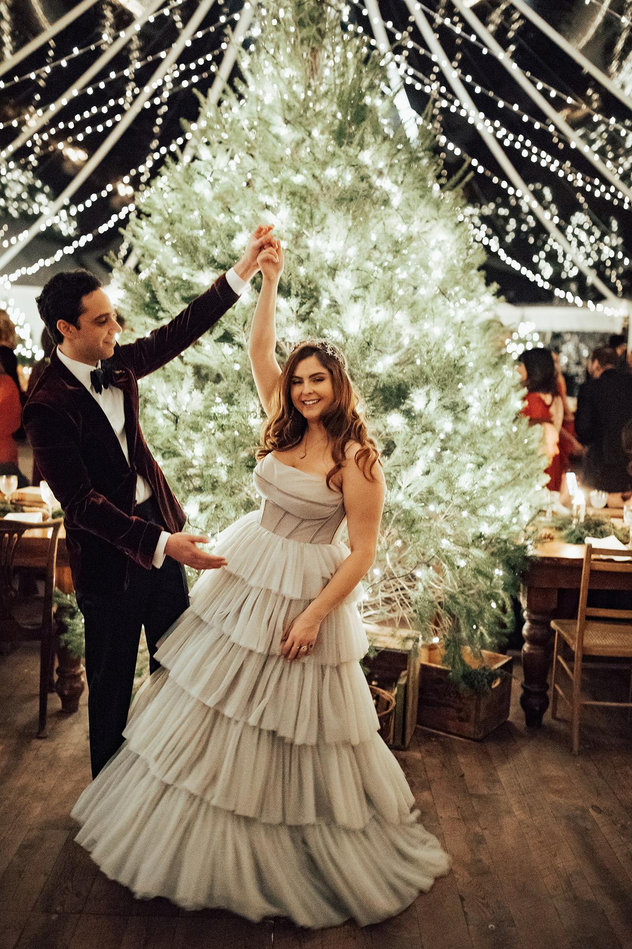 noelle danny wedding reception bride and groom dancing