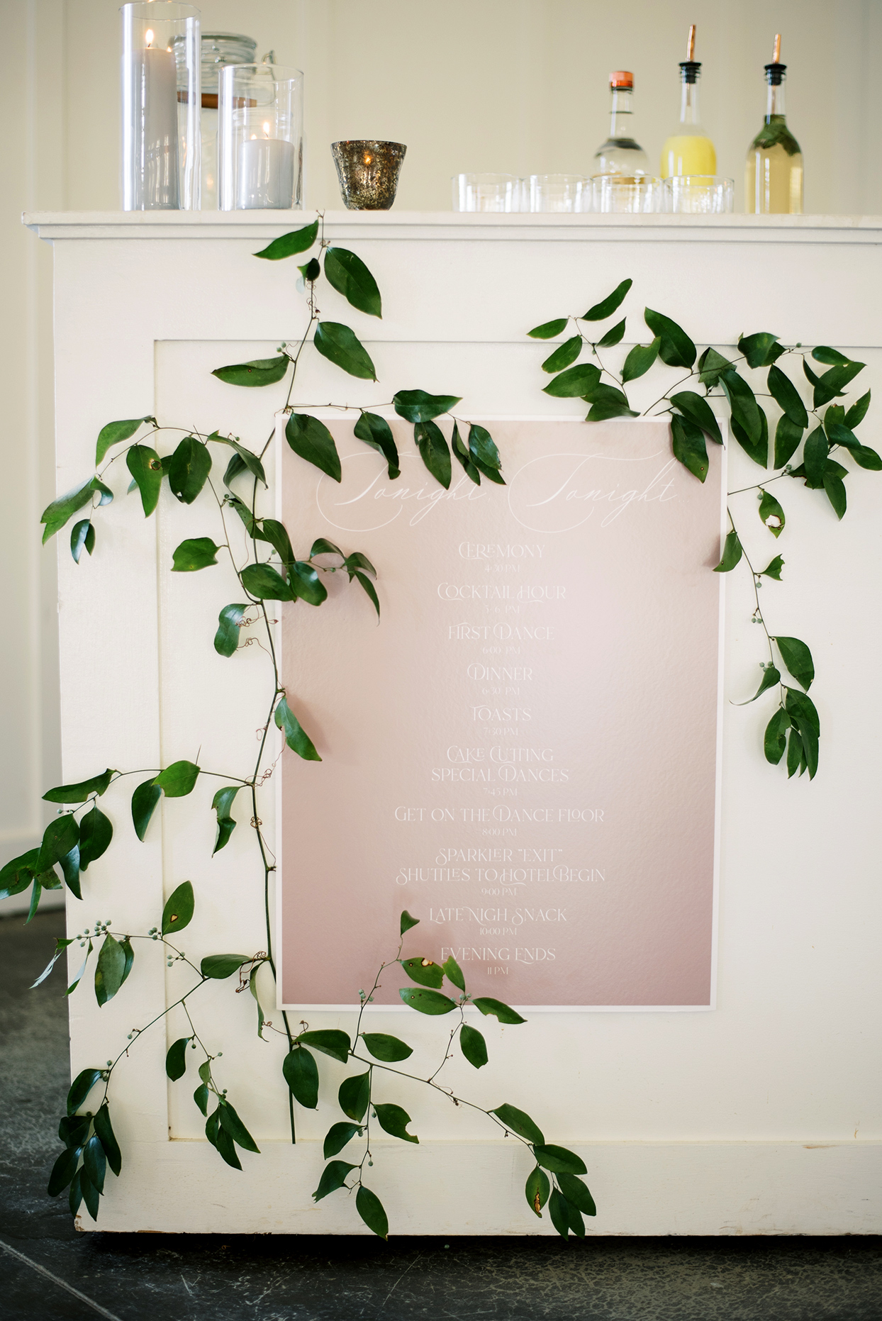 Wedding bar with leaves and pink sign