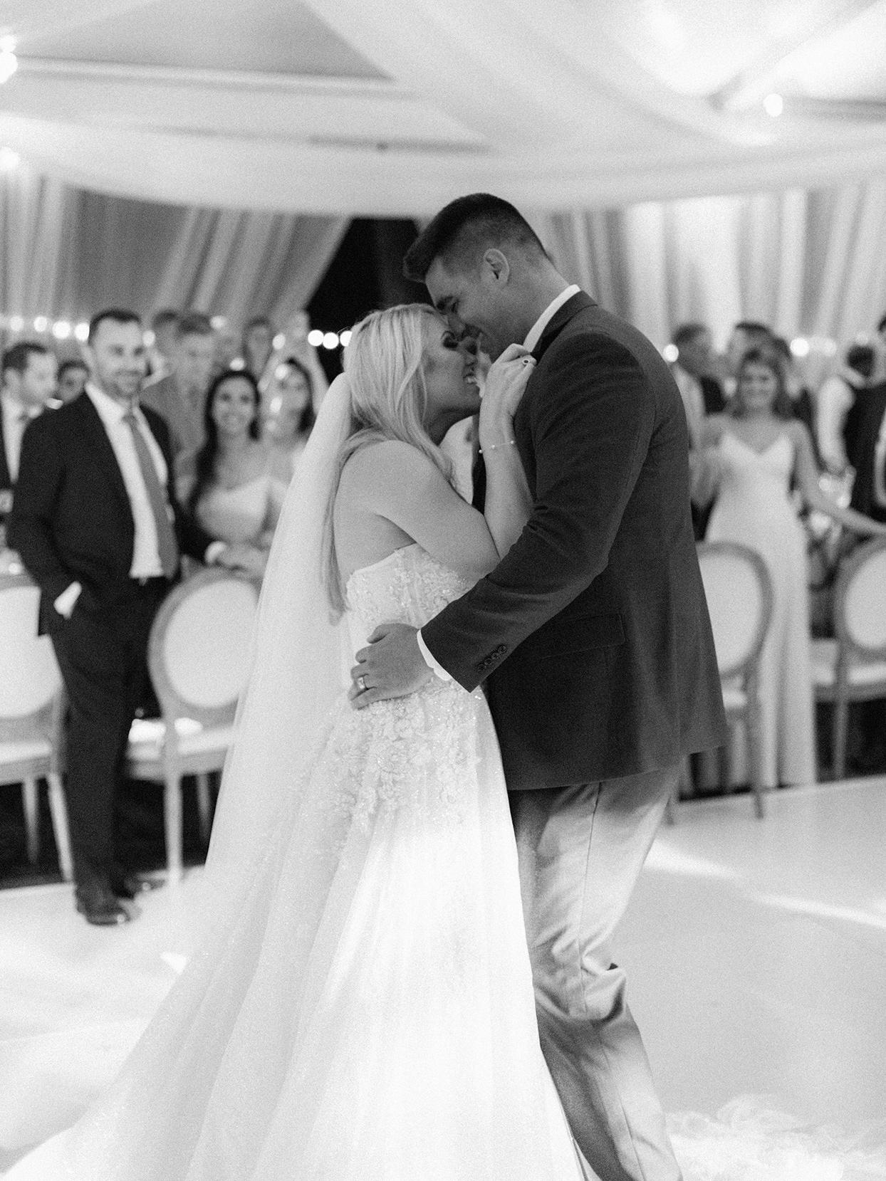 lauren chris wedding couple first dance