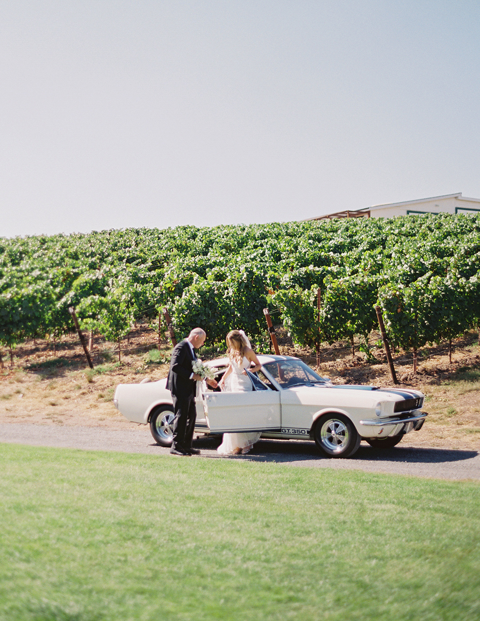 Shelby GT350 '65 bride and father arrival