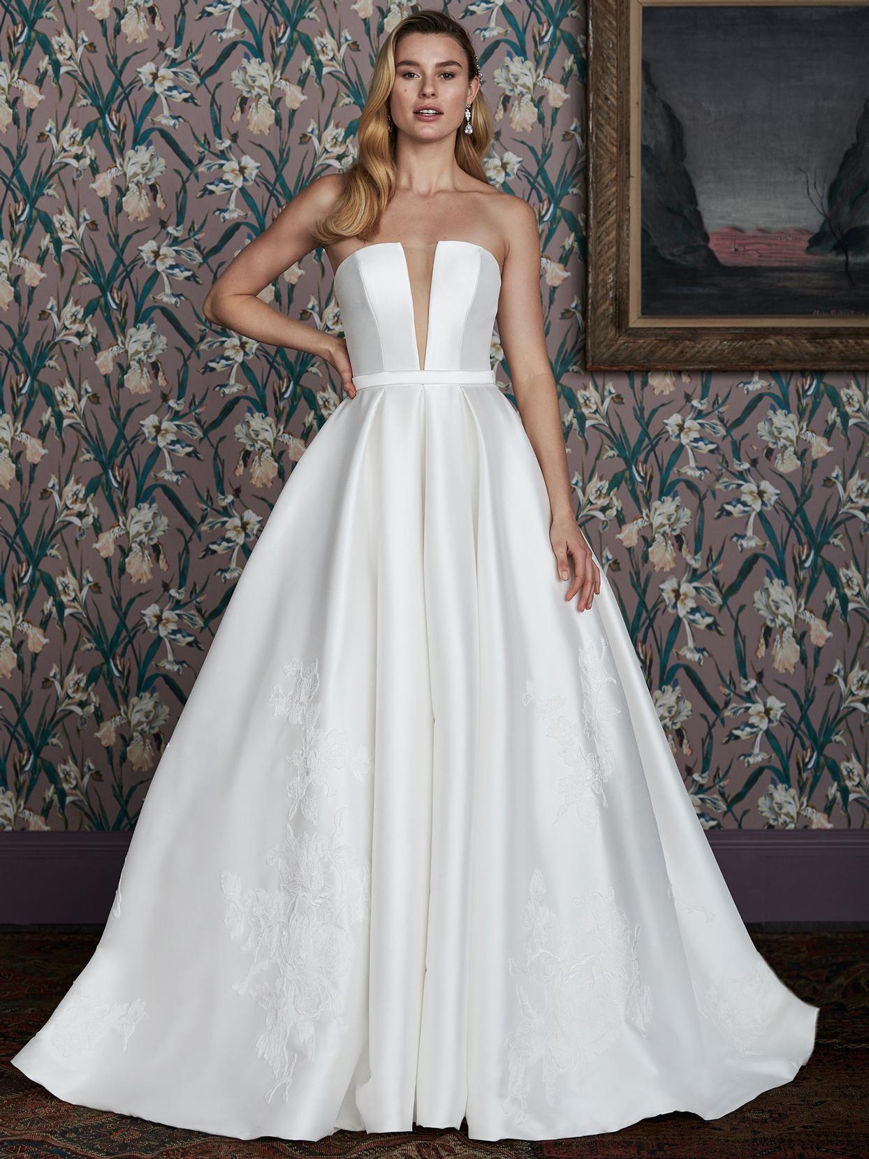 justin alexander strapless plunging v-neck wedding dress spring 2021
