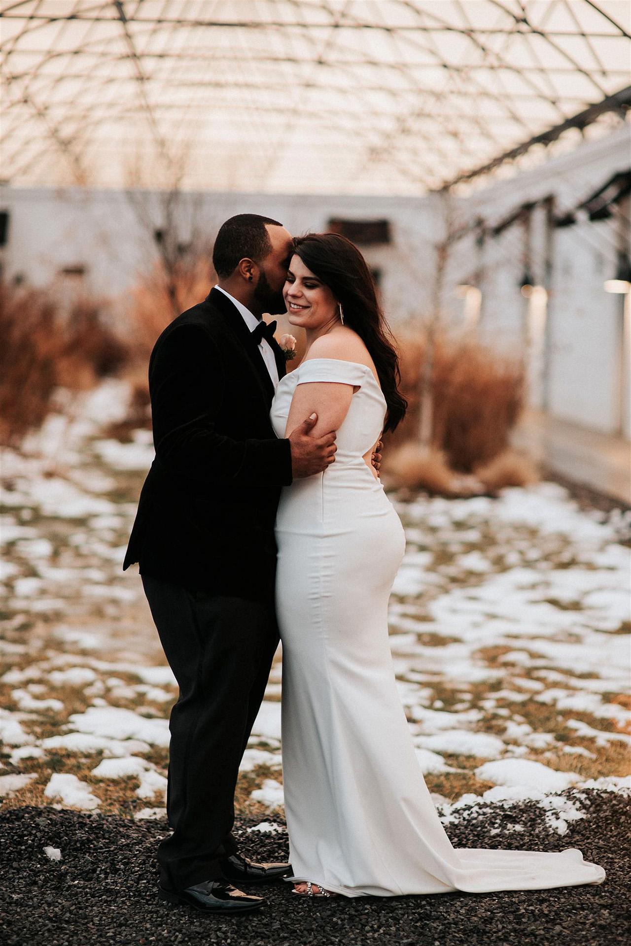 stephanie taurean wedding portraits couple