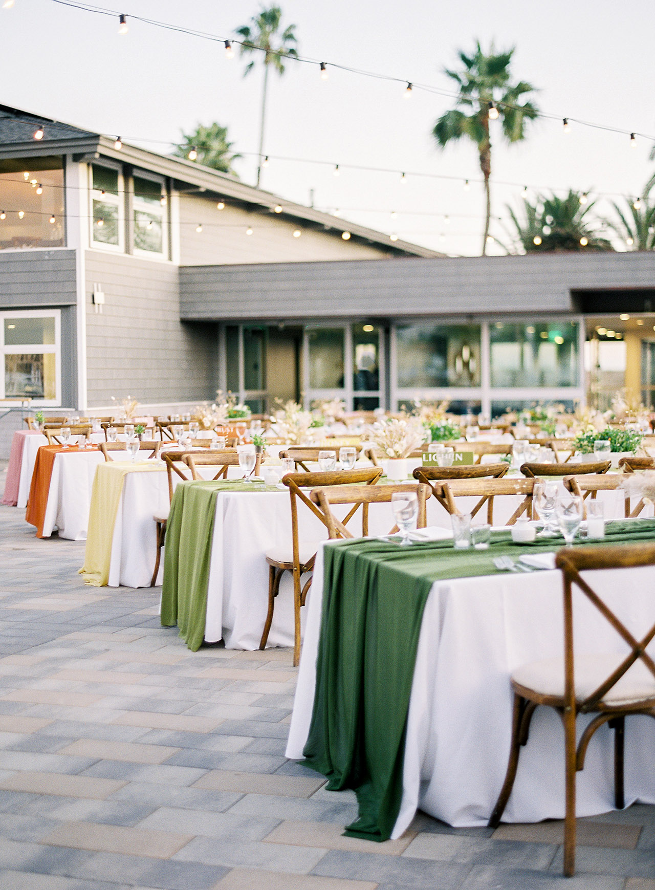 janelle stephen wedding reception tables
