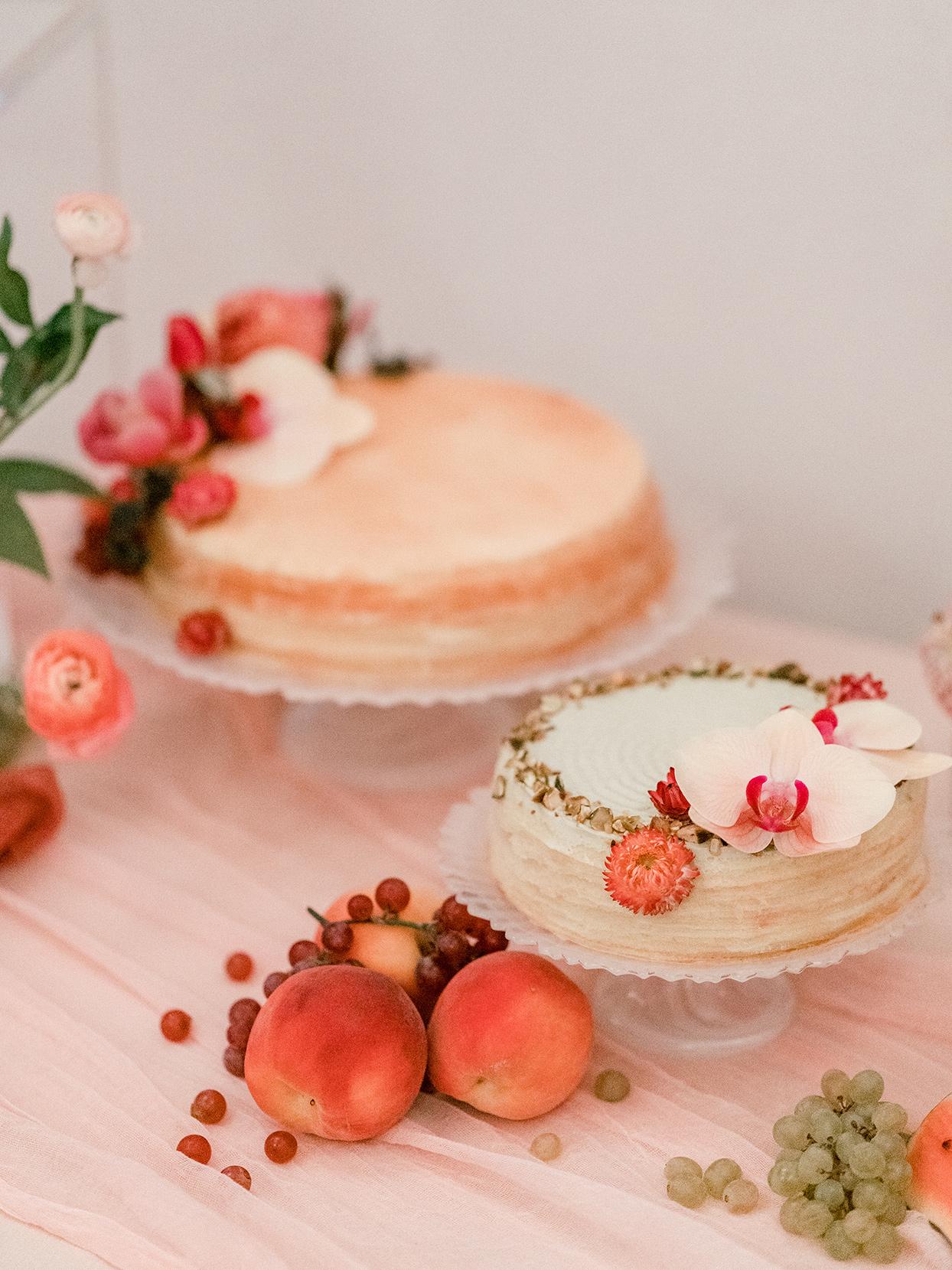 peach colored wedding cakes