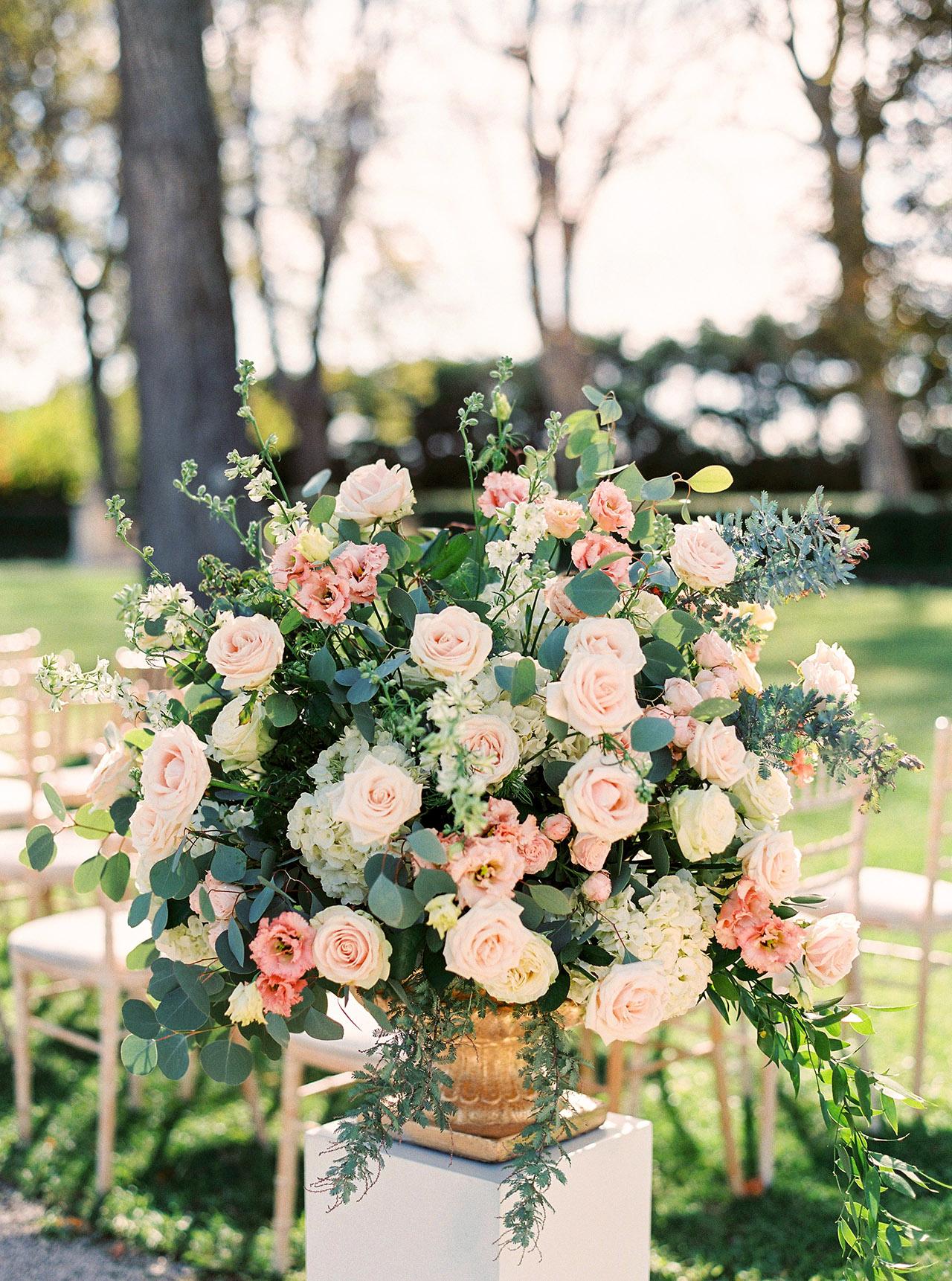 nancy sangho wedding ceremony flowers