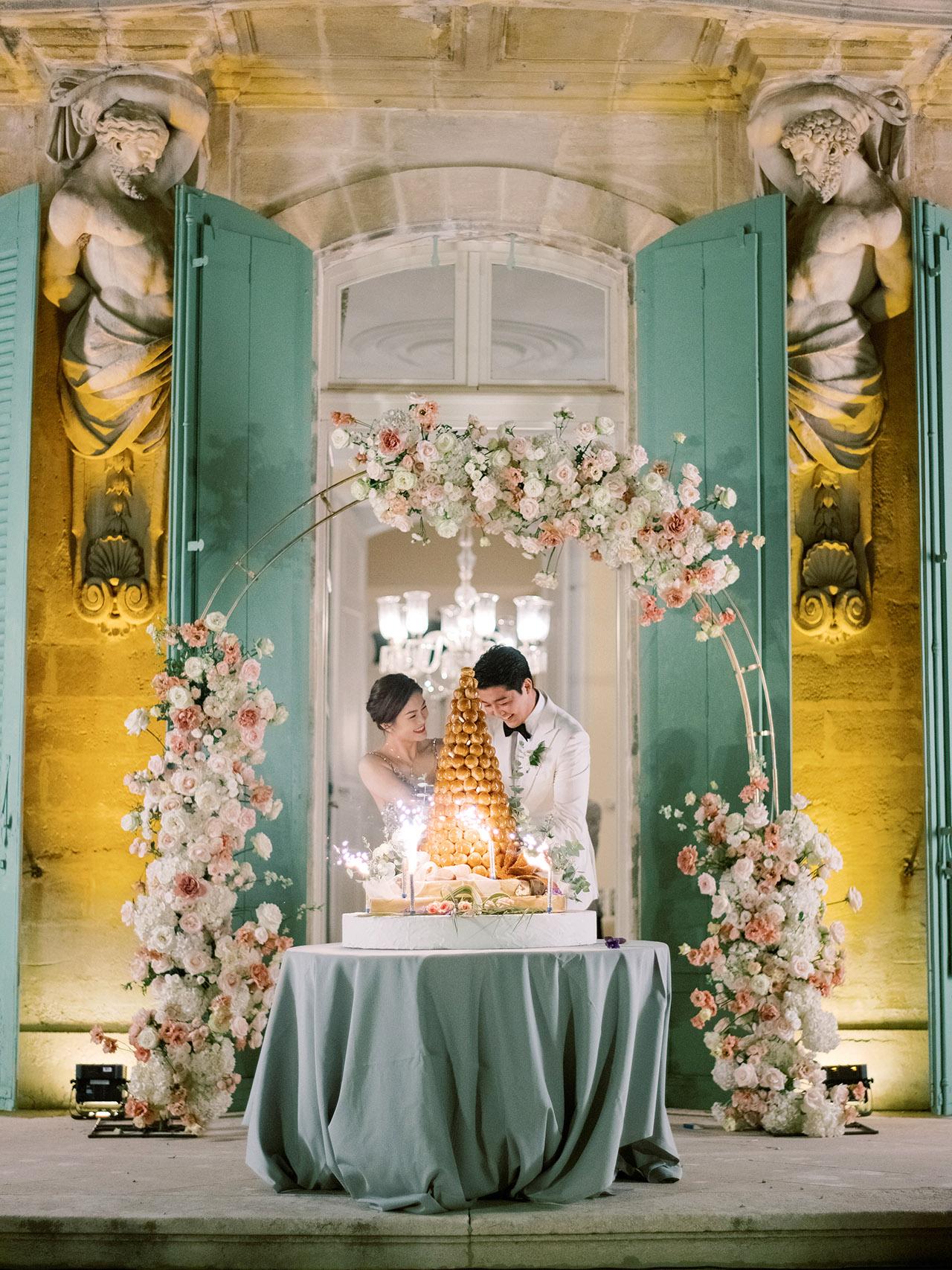nancy sangho wedding reception cake couple