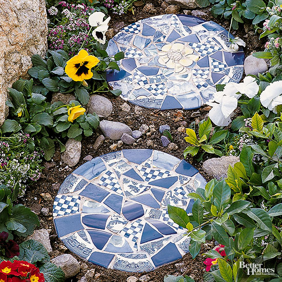 Mosaic Stepping Stone: Finished Project