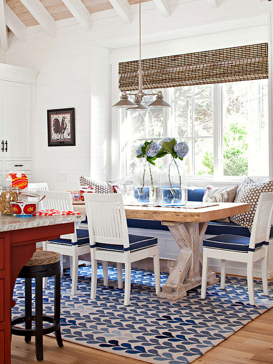 small banquette dining room
