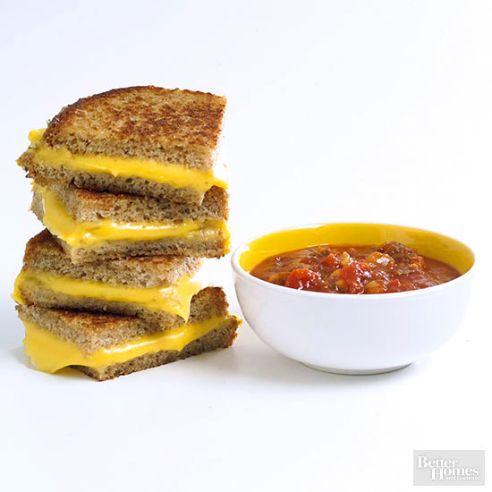 Grilled Cheese Sandwich with Marinara