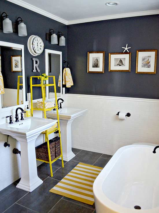black and white bath with yellow accent