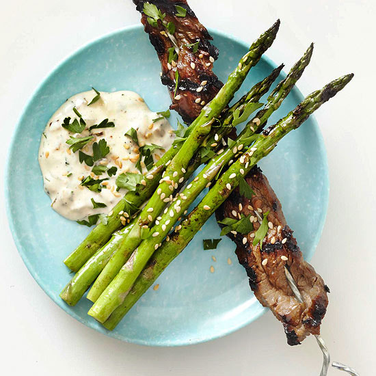 Beef and Asparagus with Caramelized Onion Aioli