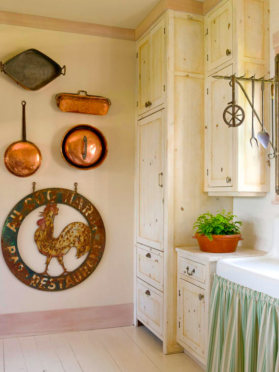 Copper pieces country kitchen
