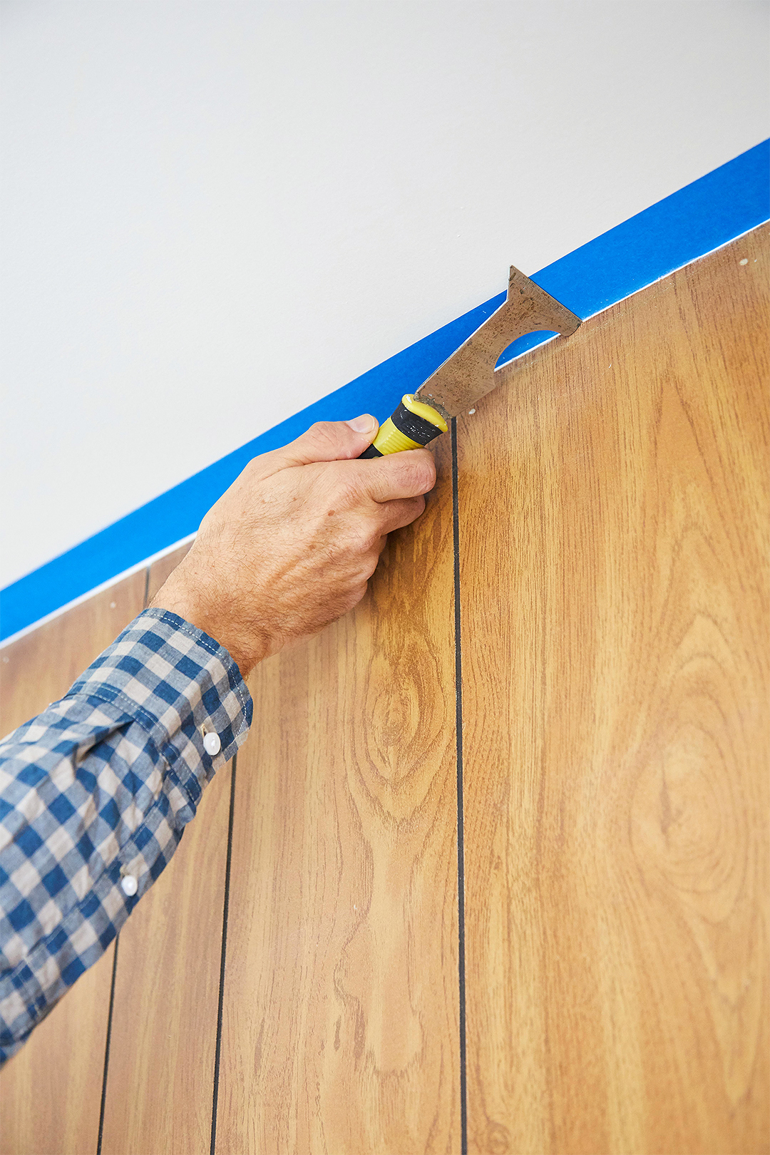 How To Paint Wood Paneling Better Homes Amp Gardens