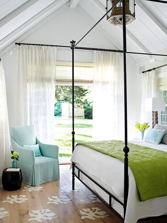 Bedroom in green and blue