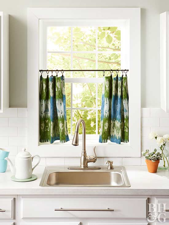 window treatment, blue and green window treatment