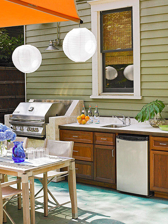 Outdoor Sink and Refrigerator