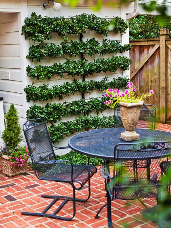 23 Inexpensive Ways to Dress Up Your Backyard