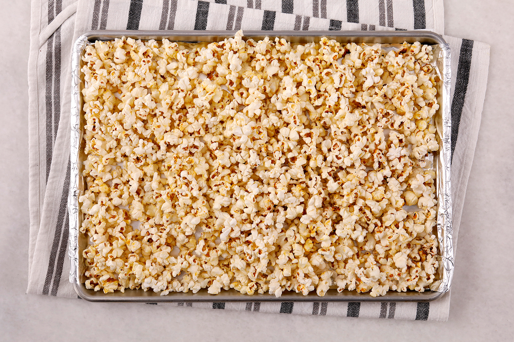 pan birds-eye view with popped kettle corn