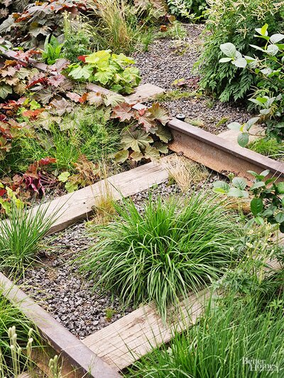 Are Railroad Ties Okay to Use to Construct Vegetable Gardens