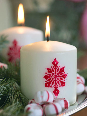 Red Snowflake Candle