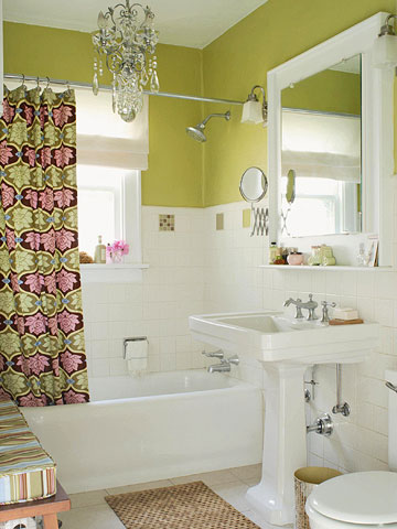 Green bathroom with molding