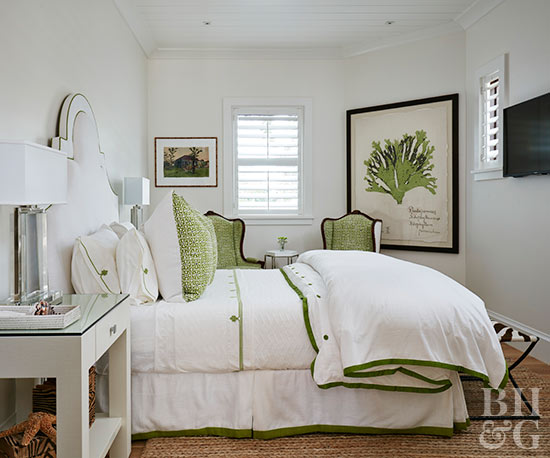 white beddings green accents