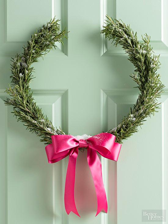 horseshoe wreath pink bow
