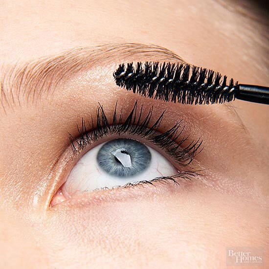 ecdfbbd415d Thicken Up Your Thinning Lashes