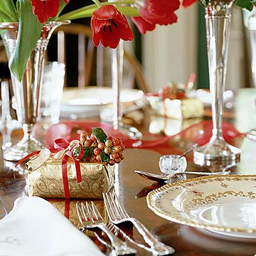 DecoratingNov04_Holiday table set with red tulips and antique silver