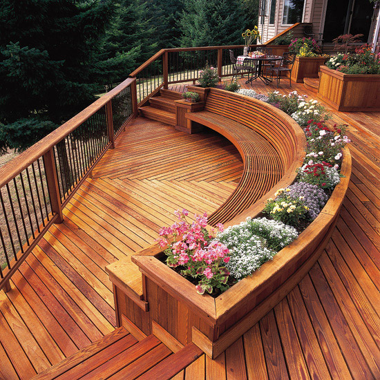 Curved Bench Adds Interest to a Deck