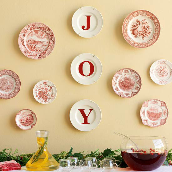 Make a Holiday Plate Display