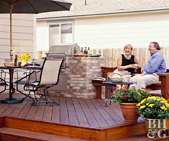 deck and outdoor entertaining area