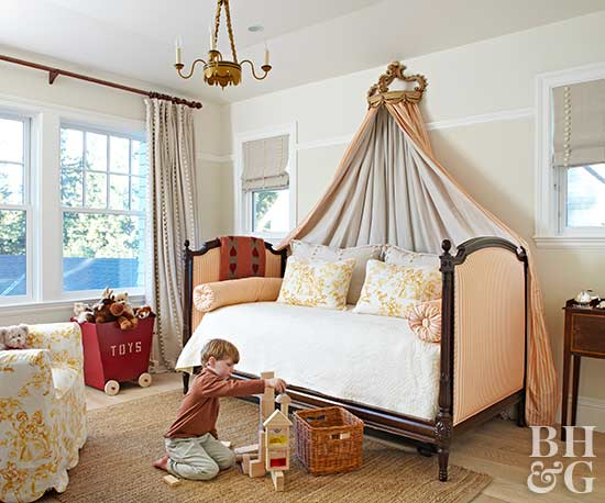 kid's bedroom with curtain