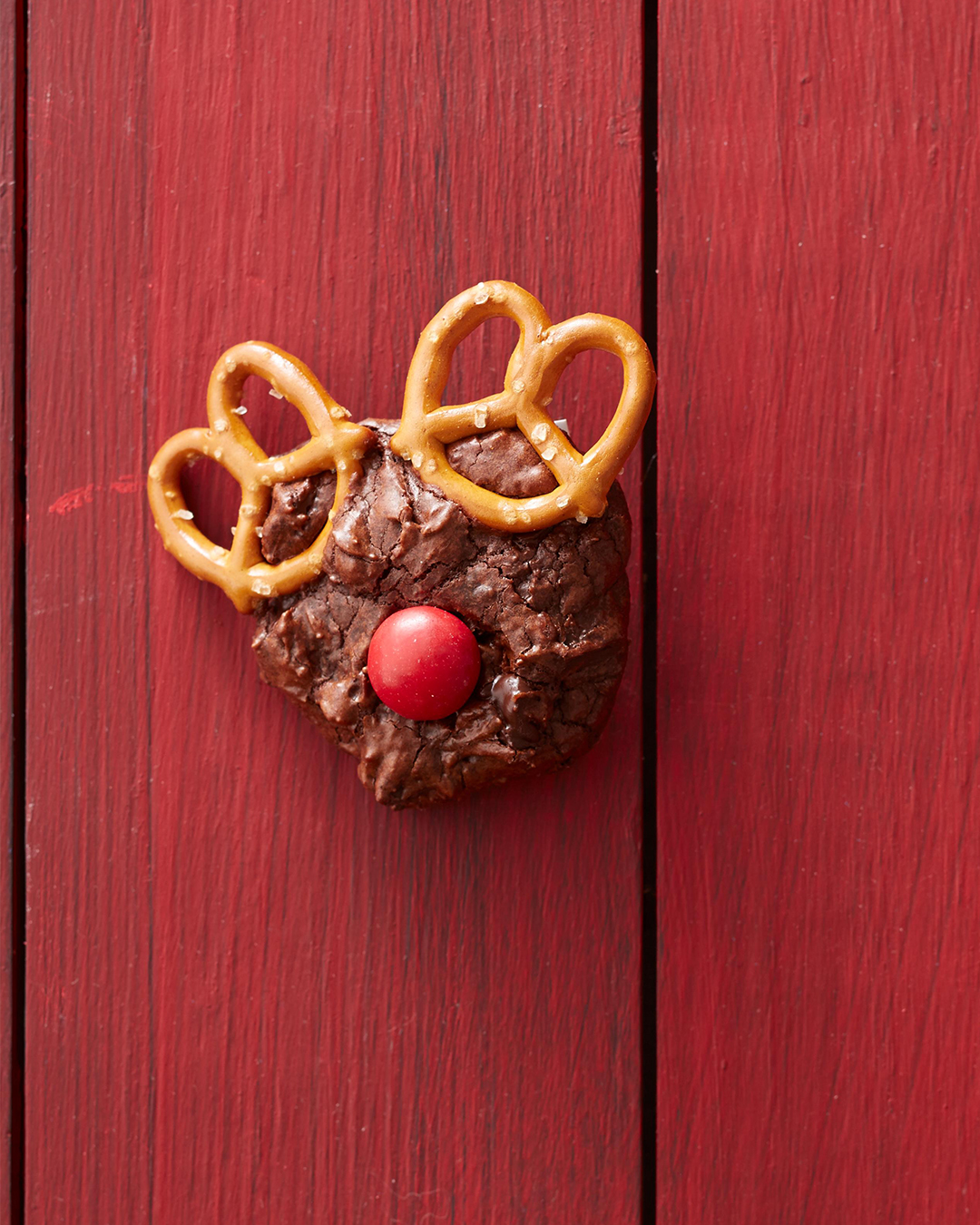 Rudolph Delights brownie with pretzels and m'n'm